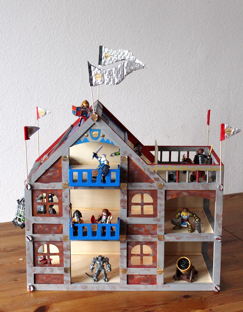DIY: Vom Puppenhaus zur Ritterburg