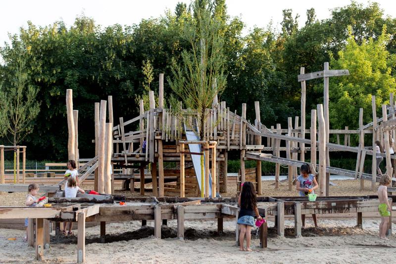 Kind Vom Klettergerüst Gefallen : Spielplatz berlin: die 10 schönsten orte zum spielen
