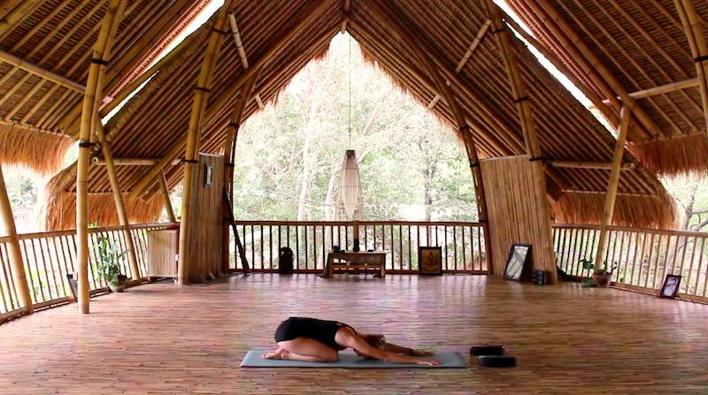Yoga Übungen: Balasana